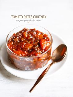 bengali tomato chutney recipe - a delicious, sweet and spiced tomato chutney made with dates having the flavors & aroma of panch phoron (bengali 5 spice mix).
