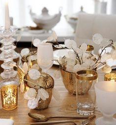 Weihnachtsdeko-selber-basteln-Tischdeko-goldene-Kerzenhalter