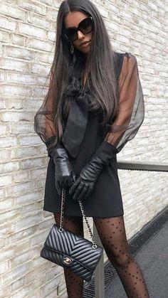 Gloves Fashion, Fashion Tights, Cozy Fashion, Leather Fashion, Fashion Outfits, Womens Fashion, All Black Outfits For Women, Black Leather Gloves, Well Dressed