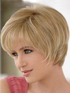 Simples e curto penteados para rostos redondos