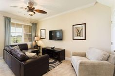 Carriage Pointe Paradise - Spacious Town Home, Golf Views and Close to Pool