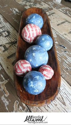 July 4th Decoration Idea - decoupage styrofoam balls with flag napkins! This EASY DIY projects makes a fun patriotic centerpiece and original July 4th decor. More holiday decor and DIY projects at theMagicBrushinc.com