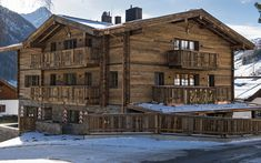 Chalet Eden Rock is a luxury ski chalet in St Anton exclusively run by Kaluma Ski. A 10 bedroom ultimate luxury chalet with private spa & stunning interior. Ski Chalet, St Anton Austria, Luxury Ski Holidays, Leo, Jacuzzi Outdoor, Best Skis, Pool Waterfall, Indoor Swimming Pools, Chalets