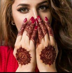 Floral Henna Designs, Stylish Mehndi Designs, Beautiful Mehndi Design, Mehndi Art Designs, Mehndi Images, Mehndi Designs For Hands, Red Henna, Henna Mehndi, Henna Art