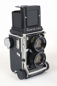 Mamiya C220 Twin Lens Reflex Camera