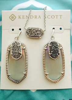 This Kendra Scott earring and necklace set! Love the necklace ! Jewelry Box, Jewelry Accessories, Jewlery, Druzy Jewelry, Wire Jewelry, Boho Jewelry, Jewelry Necklaces, Ideas Joyería, Gift Ideas
