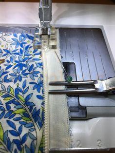 Fermeture invisible : beaucoup plus simple que lon ne le croit - c BÔ la ViE - Techniques Couture, Sewing Techniques, Sewing Hacks, Sewing Tutorials, Sewing Tips, Sewing Patterns For Kids, Couture Sewing, Sewing Projects For Beginners, Free Sewing