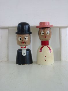 Vintage Salt Pepper Shakers Man Woman Couple Wedding Wood Japan