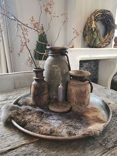 Oud stoer metaal dienblad uit India! Different Textures, Industrial Interiors, Sweet Home, House Design, Table, Painting, Furniture, Decorations, Home Decor