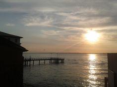 Pôr-do-Sol no píer do Solar do Unhão, ao lado do MAM. 15 de setembro de 2012.