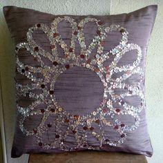 Handgefertigt Lila Kissenbezüge Pailletten Blume von TheHomeCentric