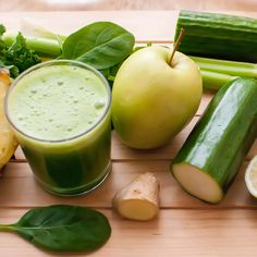 Cherie Calbom - trusted nutritionist- provides advice on Juice cleanse diet, juice detox, juicing for cancer and detox drinks. Juicing recipes for weight loss. Cucumber Juice Benefits, Cucumber Detox Water, Juicing Benefits, Easy Juice Recipes, Best Smoothie Recipes, Good Smoothies, Sumo Detox, Ginger Juice, Juice Fast
