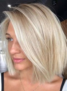 Pretty Ideas Of Short Blonde Haircuts to Follow in 2020 | Voguetypes Blonde Bob Hairstyles, Long Bob Haircuts, Hairstyles Haircuts, Fringe Hairstyles, Wedding Hairstyles, Haircut Bob, Simple Hairstyles, School Hairstyles, Pixie Haircuts