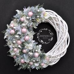 homedecor handmade Opis fotky nie je k dispozcii. Pink Christmas Decorations, Christmas Flowers, Holiday Wreaths, Holiday Crafts, Homemade Christmas, Christmas Crafts, Diy Wreath, Advent Wreath, Shabby Chic Christmas