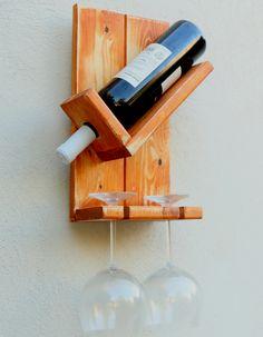 מעמד ליין וכוסות מעץ מלא Alcohol Dispenser, Rustic Wine Racks, Welding Art Projects, Wine Rack Wall, Craft Show Ideas, Wall Mount, Diy Furniture, Build Stuff, Wooden Pallet Projects