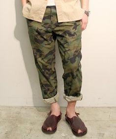 BEAMS PLUS / プレーンフロントパンツ(Camouflage) BEAMS PLUS