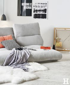 Relaxliege Tabea, perfekt zum Entspannen. #meinhöffi Small Lounge Rooms, Large Family Rooms, Family Room Decorating, Family Room Design, Small Living, Home And Living, Living Room, Furniture Making, Home Furniture