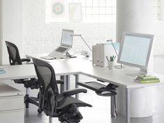 Herman MillerAeron Chair Bサイズ AE113AFB PJ CD BB 4M02 2109