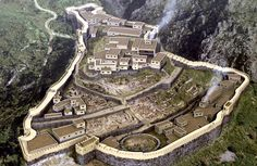 Ricostruzione della rocca di Micene, II mill. a.C
