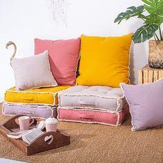 Coussin de sol avec poignée (Canyon), (Moutarde), (Naturel), (Marron glacé) - Homemaison : vente en ligne coussins de sol Throw Pillows, Deco, Color, Home, Floor Cushions, Quilting, Mustard, Ice, Curtains
