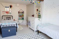 Our twin bedroom makeover { monochrome kids bedroom decor } Teenage Girl Bedrooms, Girls Bedroom, Bedding Master Bedroom, Bedroom Decor, Bedroom Ideas, Cloud Shelves, Old Room, Simple Bed, Diy Bed