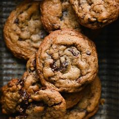 Rich chocolate chip cookies made with rye flour and bourbon. Delicious chewy chocolate chip cookies recipe. #ryecookies #chocolatechipcookies #bourboncookies #twocupsflour Italian Focaccia Recipe, Homemade Focaccia Bread, Foccacia Recipe, Chocolate Chip Banana Bread, Chewy Chocolate Chip Cookies, Banana Bread Recipes, Donut Recipes, Brunch Recipes, Breakfast Recipes