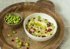 Edamame-Hummus mit Granatafelkernen