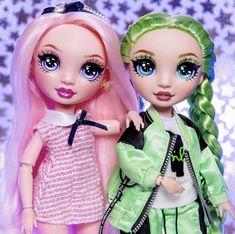 Dc Superhero Girls Dolls, Jade, Princess Zelda, Disney Princess, Rainbow Hair, Character Design Inspiration, Girl Dolls, Fashion Dolls, Lgbt