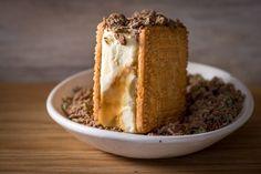 Peppermint Crisp Tart Ice Cream Sandwiches - The Sweet Rebellion Diy Ice Cream Cake, Easy Ice Cream Recipe, Brownie Ice Cream, Homemade Ice Cream, Cream Recipes, Peppermint Crisp Tart, Peppermint Ice Cream, Köstliche Desserts, Chocolate Desserts