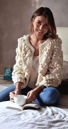 Give your wardrobe a subtle, classy upgrade. You deserve all of this cozy ivory . - Give your wardrobe a subtle, classy upgrade. You deserve all of this cozy ivory glory. Knit Your Lo Look Fashion, Winter Fashion, Trendy Fashion, Knit Fashion, Woman Fashion, Unique Fashion, Fashion Art, Spring Fashion, High Fashion