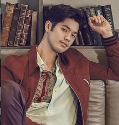 """I wasn't bullied or anything, but I didn't really fit in."" Ross Fleming Bulter, An American Actor brought up by his mother and also a college drop out. Explore his life's journey! Ross Butler 13 Reasons Why, Ross Fleming, Zach Dempsey, Katherine Schwarzenegger, Netflix, Angela Simmons, Ross Lynch, Fine Men, Bollywood Actors"