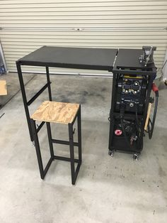 Welding Cart, Welding Shop, Welding Helmet, Diy Welding, Welding Table, Metal Welding, Metal Art Projects, Welding Projects, Metal Fabrication Tools