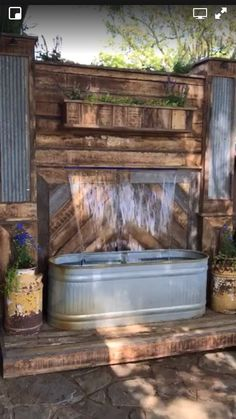 Pallet Water Feature #privacylandscape