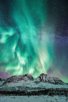 Ferocious Aurora by Trichardsen