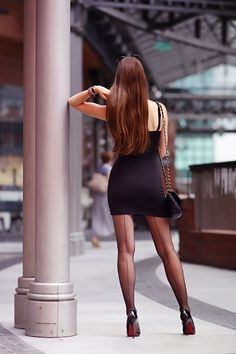 """""""tightsgalore: """"Your Place for Pantyhose and Tights """" Wow """" I ❤️ her sexy style and shiny black stockings that fit on the thighs,💋💋💋💋💋 Tights Uk, Black Tights, Cobalt Dress, Pantyhose Legs, Pantyhose Fashion, Nylons, Black Stockings, How To Wear Scarves, Elegant Outfit"""