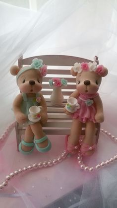 Biscuit Polymer Clay Disney, Polymer Clay Figures, Fondant Figures, Polymer Clay Creations, Clay Crafts, Diy And Crafts, Clay Bear, Polymer Project, Fondant Animals