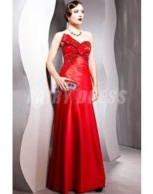 Robe de soirée enveloppe rouge sirène ornée de strass à dos nu à noeud papillon €179,01