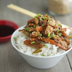 Easy Soy-Ginger Chicken (Low Carb & Gluten-Free) - The perfect recipe to have up your sleeve when you crave Chinese food!