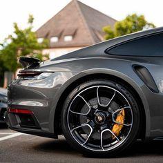 Porsche 911 Models, Porsche Sports Car, Porsche Cars, Ford Models, 911 Turbo S, Porsche 911 Turbo, Porche 911, Car Silhouette, Porsche Design