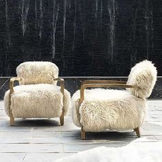 Find your own inner howl with the unnervingly wild Cabana Yeti chair, inspired by relaxed outdoor lounging. Lose your inhibitions in long-haired New Zealand sheepskin offset by rustic Weathered Oak legs, with a generously proportioned seat for maximum com French Home Decor, Vintage Home Decor, Home Decor Bedroom, Living Room Decor, Barker And Stonehouse, Weathered Oak, Home Decor Paintings, Home And Deco, Do It Yourself Home