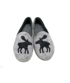 I want these! They remind me of the clogs my dad has had since I was little.