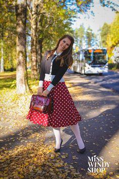Wonderful day ahead <3 (c) misswindyshop.com   #dress #polkadot #red #white #vintage #fifties #retro #circle #petticoat #cardigan #autumn #style #outfit #layers #satchel #everydayisadressday #dressrevolution #mekkovallankumous