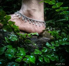 Silver Anklets, Beaded Anklets, Independence Day Photos, Dream Photography, Creative Photography, Photography Poses, Foot Pics, Ankle Chain