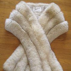 Tourmaline MINK Fur Stole Beige Bridal Cape Blonde Winter | Etsy Winter Wedding Cape, Wedding Fur, Wedding Shawls, Vintage Fox, Vintage Bridal, Bridal Cape, Bridal Bolero, Mink Fur, Mink Coats