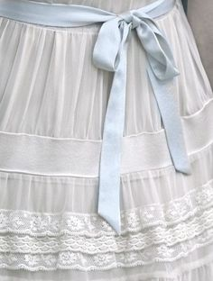 Lots of Vintage love ♥ ♥ ♥ - Mademoiselle Arc-en-ciel Bleu Pale, Anne With An E, Mademoiselle, Heirloom Sewing, Anne Of Green Gables, Pride And Prejudice, Color Azul, Beauty And The Beast, Dress Up