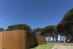 Cook Park Amenities by Fox Johnston comprises three timber-clad toilet and shower blocks along a beachfront in the Sydney suburb of Sans Souci. Public Architecture, Architecture Awards, Modern Architecture, Outdoor Toilet, Timber Battens, The Locals, Woodland, Around The Worlds, Exterior