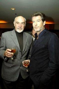 Former James Bonds Sean Connery and Pierce Brosnan Estilo James Bond, James Bond Style, Pierce Brosnan, Sean Connery 007, James Bond Movies, James Bond Party, Bond Girls, Cool Stuff, Mel Gibson
