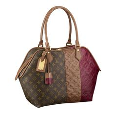 This is a very simple purse that can go with most anything.