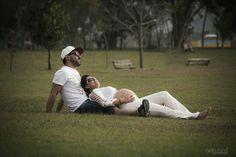 Tem coisa melhor do que estar curtindo uma tarde tranquila com a família...!? #hardphotographia #hard2016 #apaixonados #esposa #wife #mommy #esposo #mamae #gestante #casal #papai #style #lifestyle #photography #pregnancy #ensaiogestante #fernanda #derek #nicejob #model # #loveit #lovely #nicejob #passion #dad #kiss #lovekiss #ensaiofotografico #beautiful #top #romantic