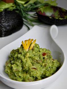 pui-si-guacamole-0291 Guacamole, Mousse, Dips, Mexican, Ethnic Recipes, Salads, Sauces, Dip, Mexicans